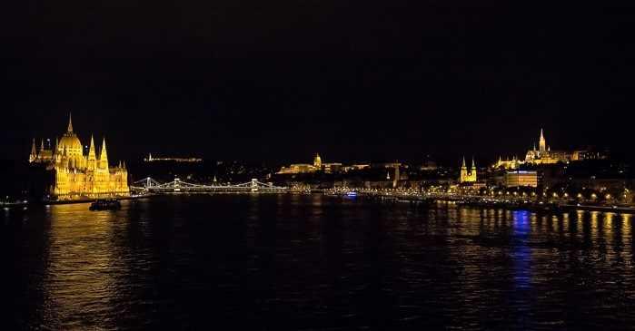 Danube - Gece