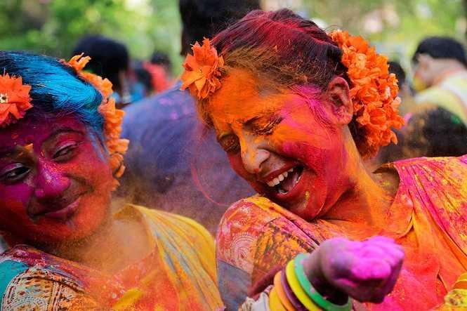 Yeni Delhi Holi Festivali