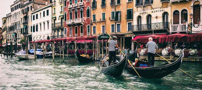 Kanallar Şehri Venedik - Gondol