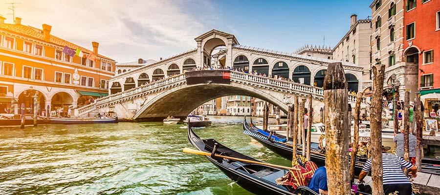Kanallar Şehri Venedik - Köprü