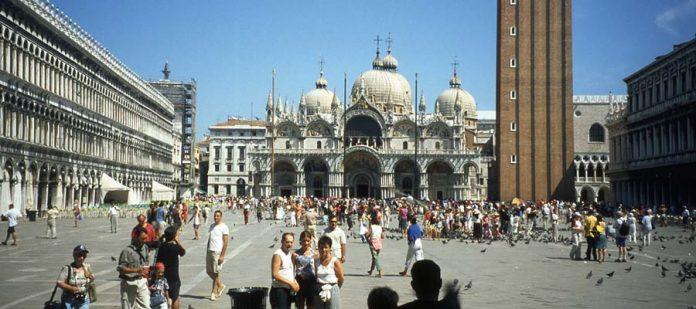 Kanallar Şehri Venedik - San Marco Meydanı