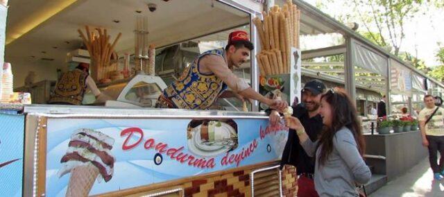 Türkiye'nin Sokak Lezzetleri - Dondurma